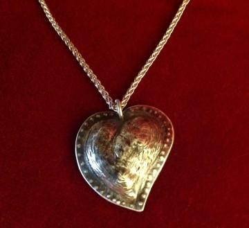 Kathy heart pendant